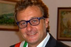 https://www.tp24.it/immagini_articoli/18-03-2019/1552943176-0-offese-sindaco-castelvetrano-facebook-adesso-imprenditore-chiede-scusa.jpg