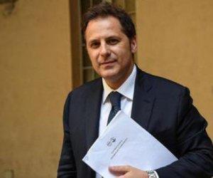 https://www.tp24.it/immagini_articoli/18-04-2019/1555576610-0-corruzione-inchiesta-siri-indagato-alto-dirigente-regione-sicilia-maio-dimissioni.jpg