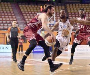 https://www.tp24.it/immagini_articoli/18-04-2021/1618771271-0-sconfitta-a-udine-per-la-pallacanestro-trapani-superata-con-un-netto-67-a-55.jpg