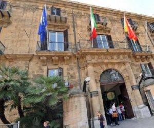 https://www.tp24.it/immagini_articoli/18-06-2018/1529308238-0-regione-sicilia-giro-vite-confronti-dipendenti-ritardatari.jpg