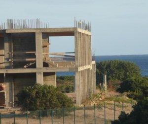 https://www.tp24.it/immagini_articoli/18-07-2021/1626614867-0-abusivismo-in-sicilia-assessore-cordaro-governo-contrario-a-sanatorie-dove-c-e-vincolo-assoluto.jpg