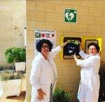 https://www.tp24.it/immagini_articoli/18-09-2018/1537269055-0-farmacia-agate-installato-defibrillatore-plus-zoll.jpg