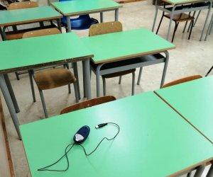 https://www.tp24.it/immagini_articoli/18-09-2019/1568777091-0-petrosino-furti-allistituto-nosengo-rubati-portatili-video-proiettore.jpg