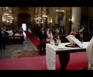 https://www.tp24.it/immagini_articoli/18-09-2019/1568797769-0-sicilia-matrimonio-botto-momento-benedizione-tuono-blackout-chiesa.jpg
