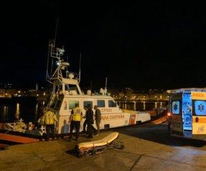 https://www.tp24.it/immagini_articoli/18-10-2019/1571383390-0-pantelleria-infarto-nave-crociera-soccorso-uomini-capitaneria.jpg