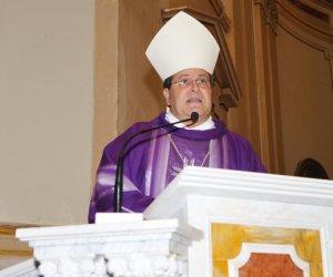https://www.tp24.it/immagini_articoli/19-01-2017/1484801590-0-l-ex-vescovo-di-mazara-e-l-eredita-milionaria-del-medico-eravamo-amanti.jpg