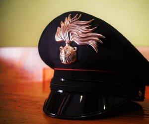 https://www.tp24.it/immagini_articoli/19-01-2020/1579427532-0-sicilia-carabiniere-uccide-sparandosi-pistola-ordinanza.jpg