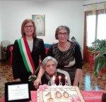 https://www.tp24.it/immagini_articoli/19-02-2019/1550564661-0-castellammare-unaltra-nonnina-centenaria.jpg