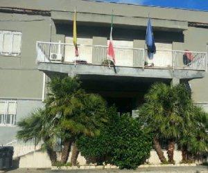 https://www.tp24.it/immagini_articoli/19-06-2019/1560925913-0-diamo-scuola-liceo-vito-fazio-allmayer-alcamo-lanciata-petizione-online.jpg