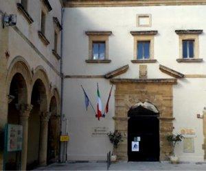 https://www.tp24.it/immagini_articoli/19-07-2020/1595110593-0-marsala-in-esposizione-la-collezione-del-convento-del-carmine.jpg