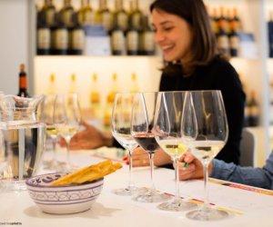 https://www.tp24.it/immagini_articoli/19-10-2018/1539985117-0-wine-night-moderation-cultura-vino-giovani-bere-moderato.jpg