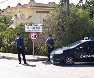 https://www.tp24.it/immagini_articoli/19-10-2019/1571479362-0-campobello-lavoro-nero-raccolta-olive-denunce-sanzioni-mila-euro.jpg