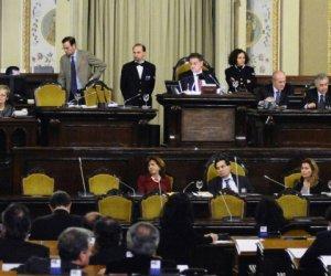 https://www.tp24.it/immagini_articoli/19-12-2013/1387443628-0-i-deputati-dell-ars-fanno-i-furbetti-pure-per-ridursi-lo-stipendiouna-presa-in-giro.jpg