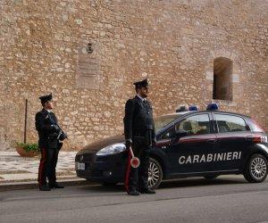 https://www.tp24.it/immagini_articoli/19-12-2019/1576750642-0-alcamo-carabinieri-aggrediti-uomo-martello-chiede-pizza.jpg