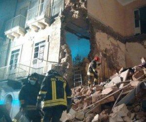 https://www.tp24.it/immagini_articoli/20-01-2020/1579505689-0-sicilia-crolla-palazzina-notte-studenti-universitari-dispersi.jpg