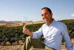 https://www.tp24.it/immagini_articoli/20-02-2017/1487604530-0-viticoltura-ed-export-si-rischia-il-blocco-antonio-rallo-scrive-al-ministro-martina.jpg