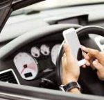 https://www.tp24.it/immagini_articoli/20-02-2019/1550677871-0-sospensione-immediata-patente-parla-scrive-cellulare-mentre-guida.jpg