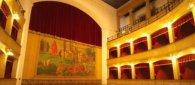 https://www.tp24.it/immagini_articoli/20-03-2018/1521536323-0-castelvetrano-teatro-selinus-scena-cazzicatummuli-nonno-matteo.jpg