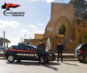 https://www.tp24.it/immagini_articoli/20-03-2019/1553084877-0-chiusa-camera-sfuggire-allaggresione-marito-intervengono-carabinieri.jpg