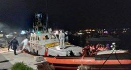 https://www.tp24.it/immagini_articoli/20-05-2019/1558326933-0-sbarcano-naufraghi-watch-salvini-scopre-diretta.jpg