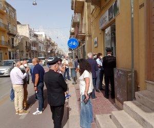 https://www.tp24.it/immagini_articoli/20-06-2021/1624221307-0-la-delegazione-di-codici-castelvetrano-alla-passeggiata-contro-il-racket-ad-alcamo.jpg