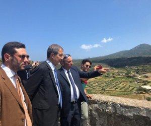 https://www.tp24.it/immagini_articoli/20-07-2019/1563637603-0-visita-lampo-musumeci-pantelleria.jpg