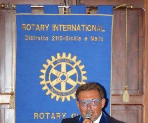 https://www.tp24.it/immagini_articoli/20-07-2020/1595257713-0-massimiliano-saladino-eletto-presidente-del-rotary-club-marsala-lilibeo-isole-egadi.jpg
