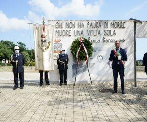 https://www.tp24.it/immagini_articoli/20-07-2021/1626782405-0-via-d-amelio-le-commemorazioni-in-provincia-di-trapani.jpg