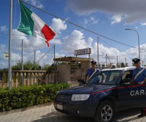 https://www.tp24.it/immagini_articoli/20-07-2021/1626793275-0-trapani-la-stazione-dei-carabinieri-di-locogrande-assume-il-nome-di-misiliscemi.jpg