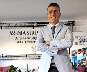 https://www.tp24.it/immagini_articoli/20-07-2021/1626798650-0-vito-pellegrino-e-il-nuovo-presidente-di-sicindustria-trapani.jpg