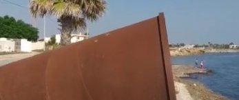 https://www.tp24.it/immagini_articoli/20-08-2019/1566324360-0-petrosino-rifiuti-abbandonati-vicino-allinstallazione-artistica-lurlo-terra.jpg