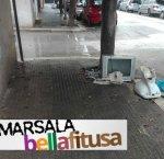 https://www.tp24.it/immagini_articoli/20-09-2018/1537457355-0-marsala-bella-fitusa-televisore-abbandonati-sbarco.jpg