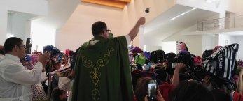 https://www.tp24.it/immagini_articoli/20-09-2018/1537464891-0-domenica-erice-casa-santa-benedizionedegli-zainetti.jpg