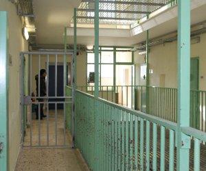 https://www.tp24.it/immagini_articoli/20-12-2019/1576830682-0-basta-aggressioni-servono-agenti-carcere-trapani.jpg