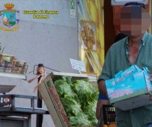 https://www.tp24.it/immagini_articoli/21-01-2020/1579605009-0-sicilia-dipendente-comunale-spesa-lavori-giardinaggio-durante-lavoro.jpg
