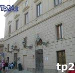 https://www.tp24.it/immagini_articoli/21-02-2019/1550767079-0-erice-consiglieri-mannina-manuguerra-annunciano-sfiducia-presidente-genco.jpg