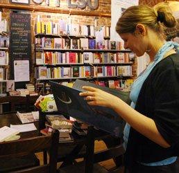 https://www.tp24.it/immagini_articoli/21-03-2013/1378805457-1-nel-2012-un-italiano-su-due-non-ha-letto-nemmeno-un-libro.jpg