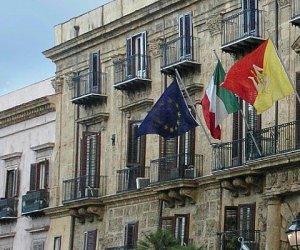 https://www.tp24.it/immagini_articoli/21-03-2014/1395402769-0-la-sicilia-giuda-le-regioni-sprecone-138-miliardi-in-fumo.jpg