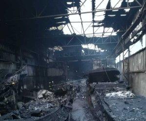 https://www.tp24.it/immagini_articoli/21-03-2019/1553174624-0-lincendio-mazara-oltre-capannone-barche-danni-anche-condominio.jpg