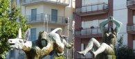 https://www.tp24.it/immagini_articoli/21-04-2021/1618990785-0-riqualificare-la-fontana-del-vino-di-marsala.jpg