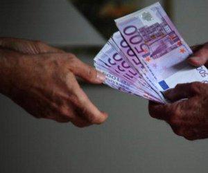 https://www.tp24.it/immagini_articoli/21-06-2017/1498025405-0-dammi-soldi-sono-amica-messina-denaro-arrestata-dipendente-comunale.jpg