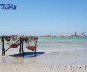 https://www.tp24.it/immagini_articoli/21-07-2017/1500629501-0-spiaggia-torre-teodoro-risiamo-ogni-estate-solite-polemiche.jpg