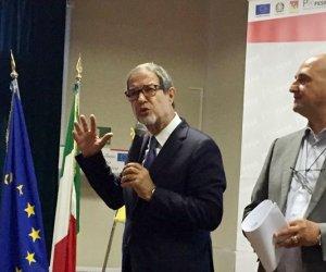 https://www.tp24.it/immagini_articoli/21-07-2018/1532150856-0-conti-sicilia-serve-manovra-correttiva-ritardo-fondi-europei.jpg