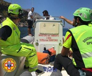 https://www.tp24.it/immagini_articoli/21-07-2019/1563742416-0-giovane-trapani-caduto-ferito-zingaro-immagini-soccorsi.jpg