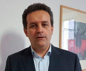 https://www.tp24.it/immagini_articoli/21-07-2020/1595283828-0-e-ufficiale-massimo-grillo-si-candida-sindaco-di-marsala.jpg