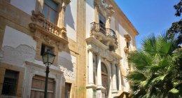 https://www.tp24.it/immagini_articoli/21-09-2018/1537520730-0-trapani-storia-palazzo-lucatelli2-quel-teatro-deve-fare-forza.jpg