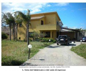 https://www.tp24.it/immagini_articoli/21-11-2019/1574328899-0-villetta-civile-abitazione-contrada-cozzaroponte-fiumarella-n182-marsala.jpg