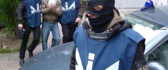 https://www.tp24.it/immagini_articoli/21-11-2019/1574337358-0-matteo-messina-denaro-nascosto-veneto-cantina.jpg