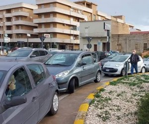 https://www.tp24.it/immagini_articoli/21-11-2020/1605950986-0-marsala-nbsp-traffico-bloccato-in-via-dante-alighieri-per-l-attivita-di-screening-iniziata-in-ritardo.jpg