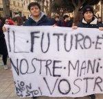 https://www.tp24.it/immagini_articoli/22-02-2019/1550825172-0-manifestazione-studenti-trapani-ecco-cosa-chiedono.jpg